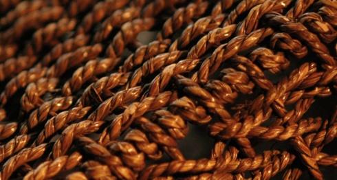 AMG152709b Basket Weave